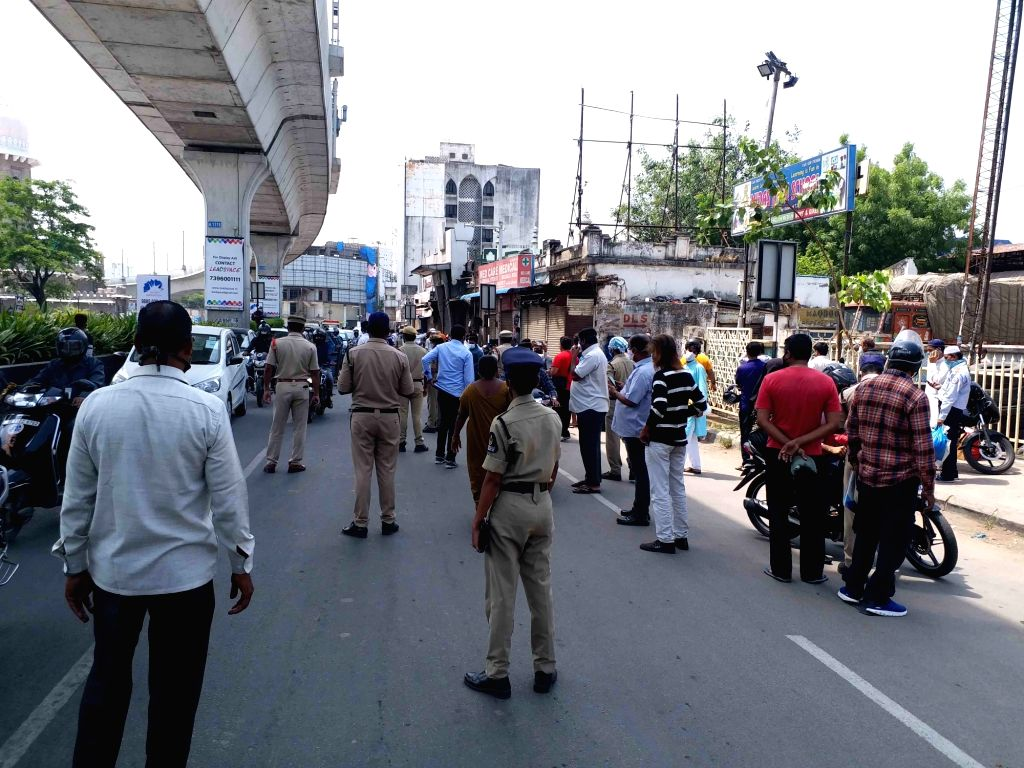 Hyderabad : Police seized  Thousand of Bikes in the view of the strict implementation of lockdown, the city police unwarranted movement on the roads  dealt with strictly on Saturday in Hyderabad 22 ...