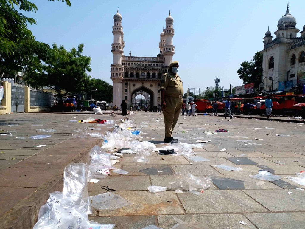 Hyderabad : Roads wore a deserted look in Hyderabad and the rest of Telangana on Wednesday morning as the 10-day lockdown began across the state to check the spread of Covid-19 on 12 May, 2021.