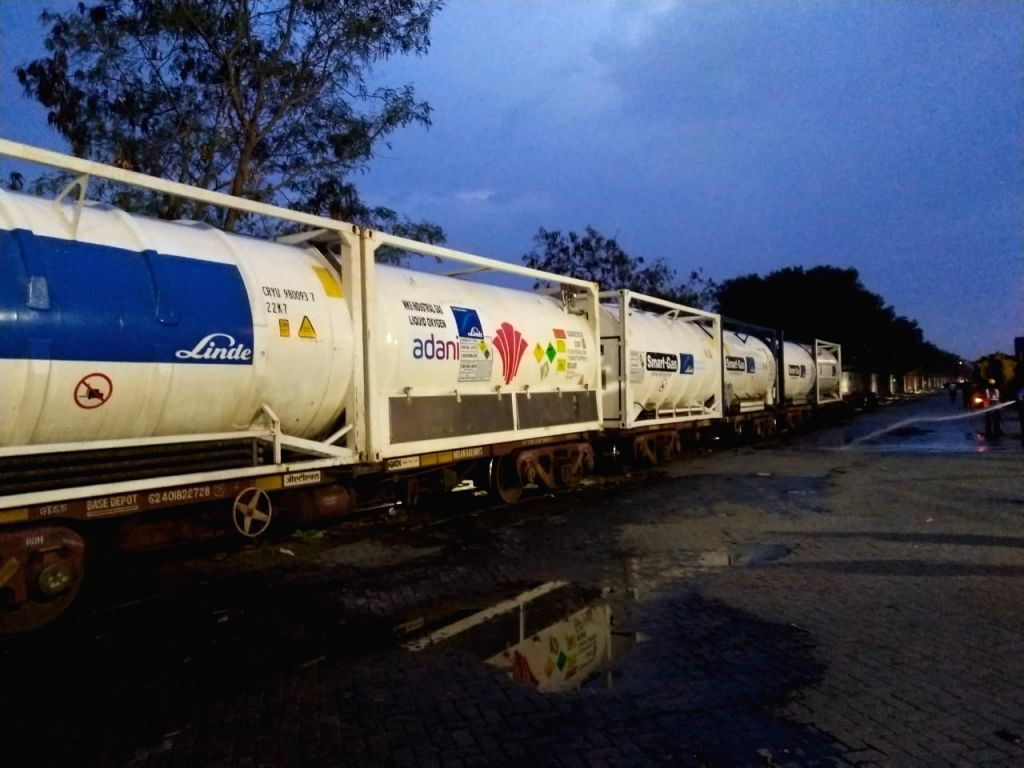Hyderabad : The arrival of fourth Oxygen Express to Telangana transporting 120 tonnes of LMO in six tankers. in Hyderabad 14 May 2021.