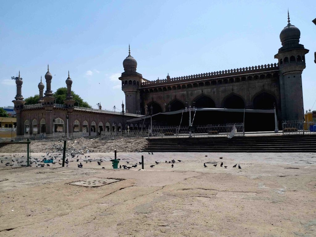 Hyderabad: The Mecca Masjid in Hyderabad bears a deserted look on the last Friday of the Muslim Holy month of Ramadan during the fourth phase of the nationwide lockdown imposed to mitigate the spread of coronavirus, on May 22, 2020. (Photo: IANS)