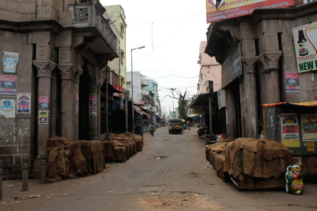 Hyderabad wears a deserted look during the seventh phase of 2014 Lok Sabha Polls on April 30, 2014.