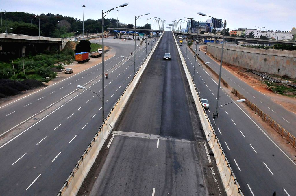 IA view of deserted Bengaluru roads during Karnataka wide strike called to protest against release of Cauvery river water to Tamil Nadu on Sept 9, 2016. The Supreme Court on Monday had ...