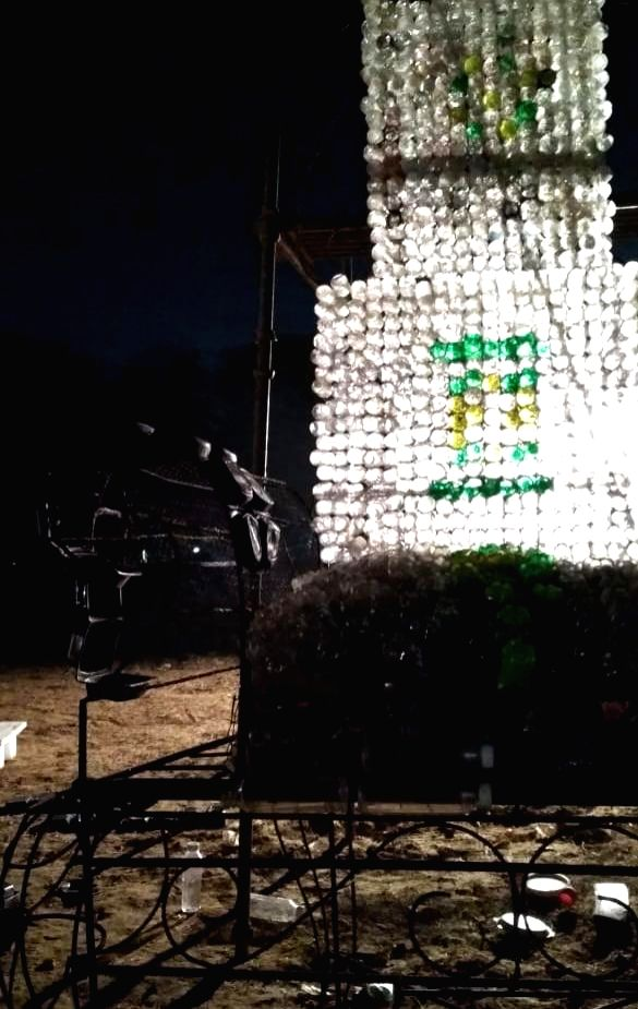 Iamgurgaon and ArtPilgrim's public arts project 'Where Does It Go' has installations made of plastic and e-waste. (Photo Source: ArtPilgrim Live Gallery)