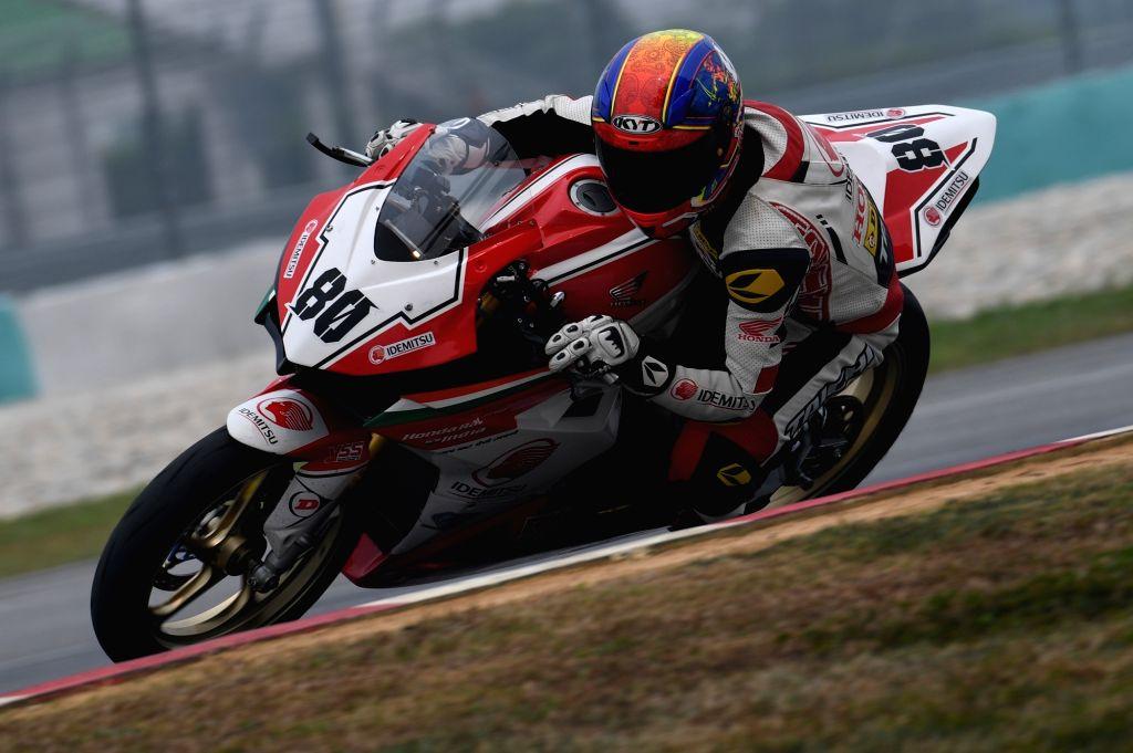 IDEMITSU Honda Racing India rider Senthil Kumar. - Senthil Kumar