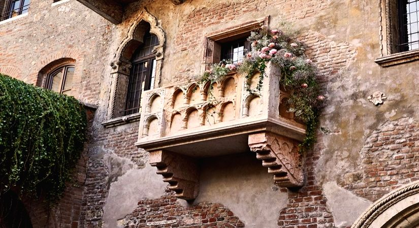 If youve ever romanticized about a love so true like Romeo and Juliet, then this is perfect for you. Travel leader Airbnb.com gives you and your special someone the opportunity to live out your fantasy with a night in Juliets home. No we arent kiddin
