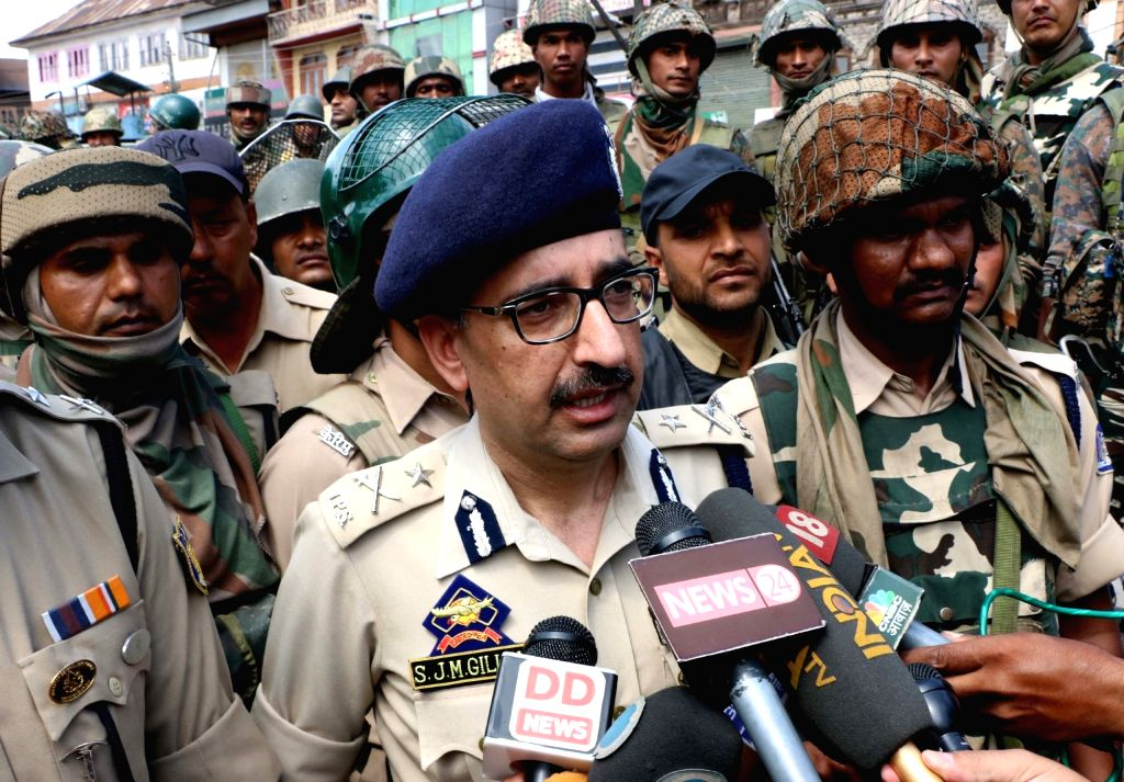 IGP Kashmir, Syed Javaid Mujtaba Gillani talks to press after attack on security personnel in Srinagar on Aug 15, 2016.