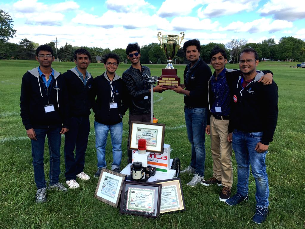 IIT-Bombay defeated Japan to win the 25th Intelligent Ground Vehicle Competition (IGVC), in USA this week.