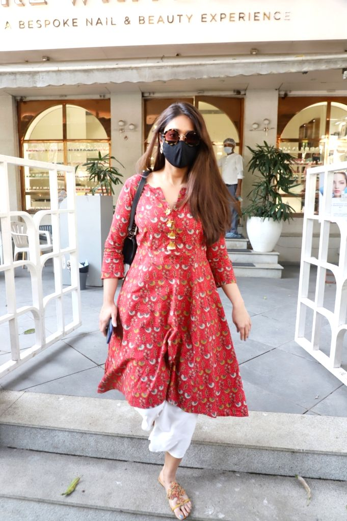 Ileana D'Cruz snapped in Bandra, Mumbai on Wednesday 03rd March, 2021. - Ileana D'Cruz