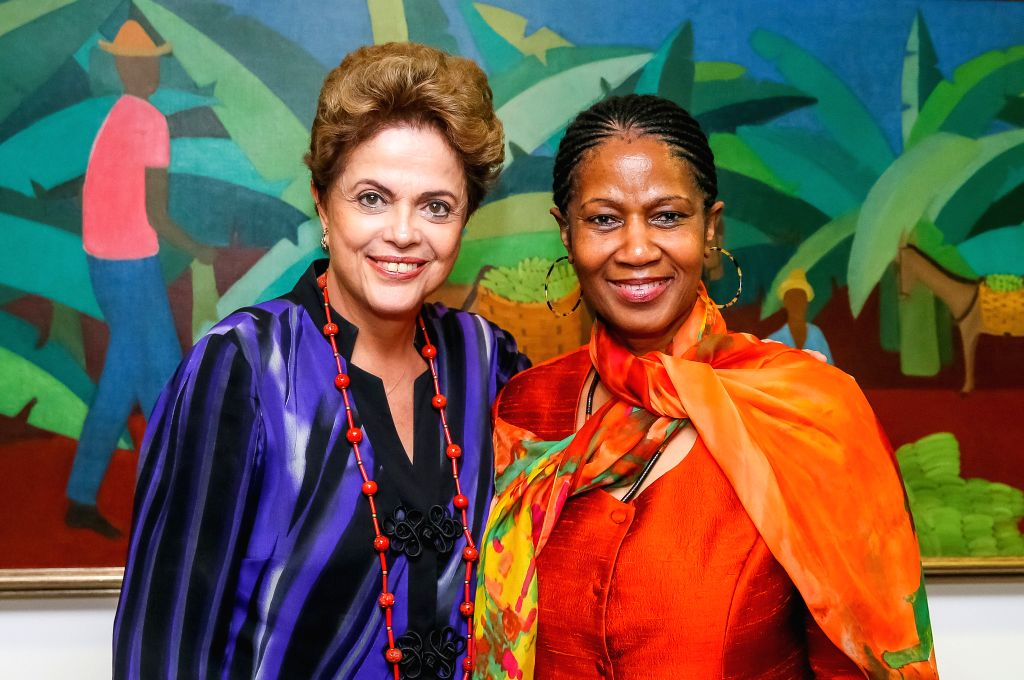Image provided by Brazil's Presidency shows Brazilian President Dilma Rousseff (L) meeting with UN women chief Phumzile Mlambo-Ngcuka in Brasilia, Brazil, Nov. 18, ...