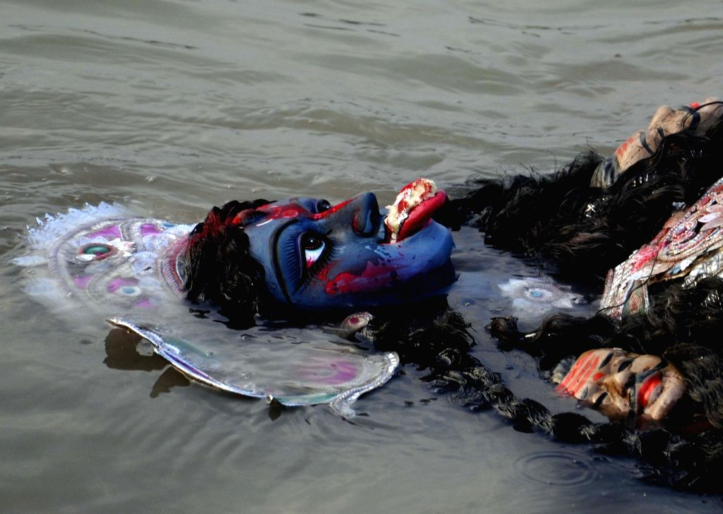 Immersion of Kali idol underway in Kolkata on Oct 30, 2016.
