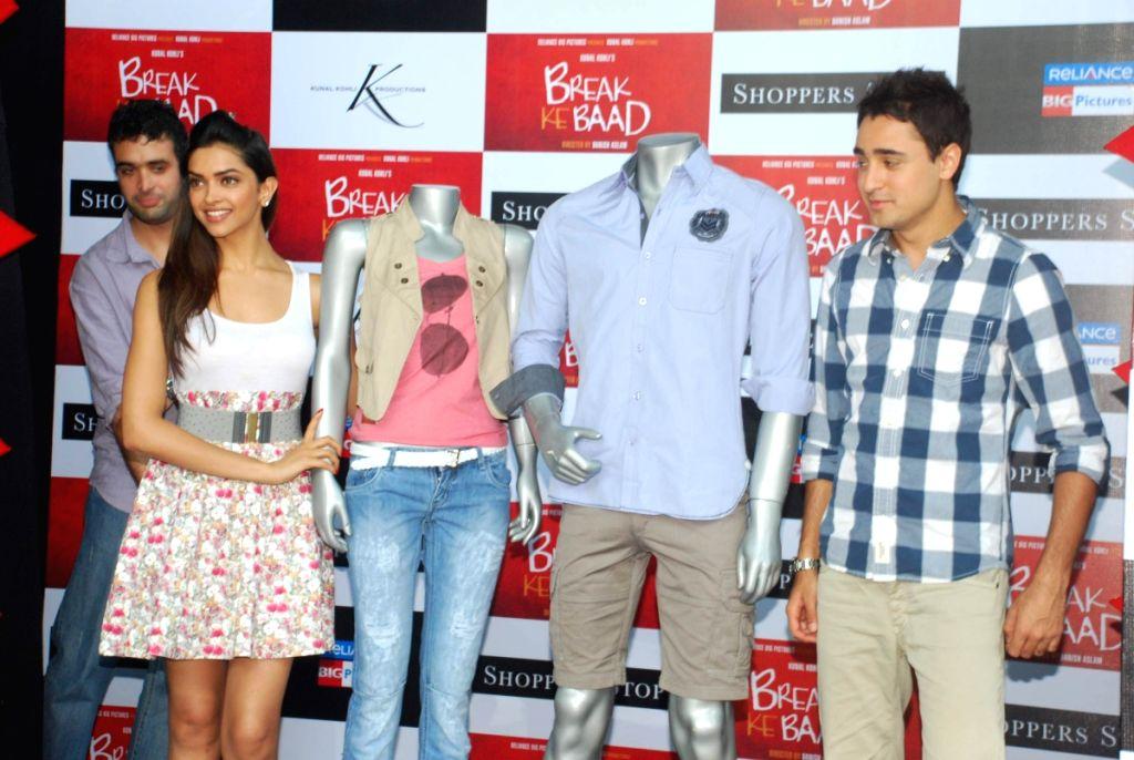 Imran Khan and Deepika Padukone at Shoppers Stop Break ke ... | 1024 x 686 jpeg 115kB