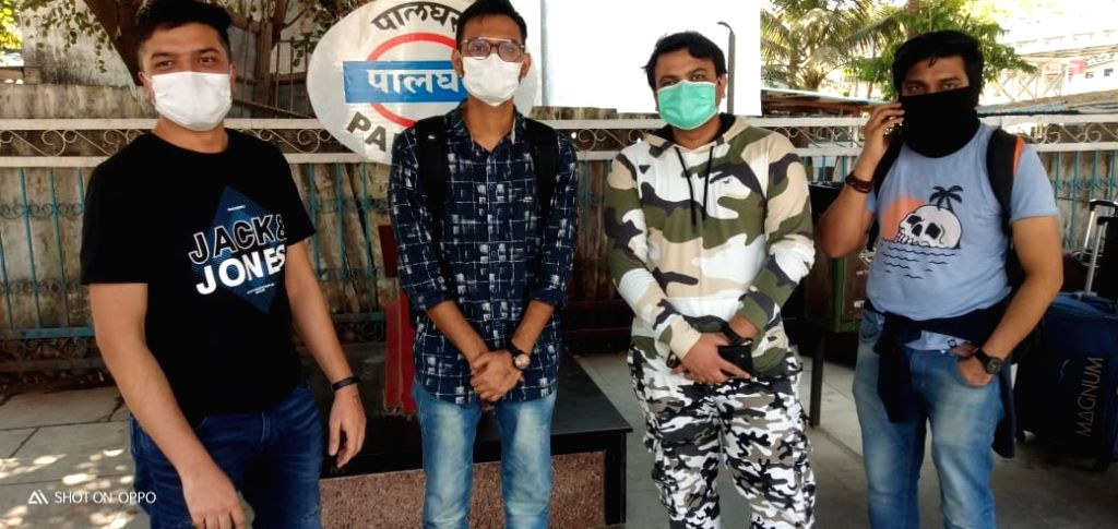In a huge scare, four passengers who allegedly jumped 'quarantine' to travel from Mumbai to Surat, were deboarded from the Mumbai-Delhi Garib Rath train in Mumbai on March 18, 2020. The passengers were immediately handed over to the Palghar District