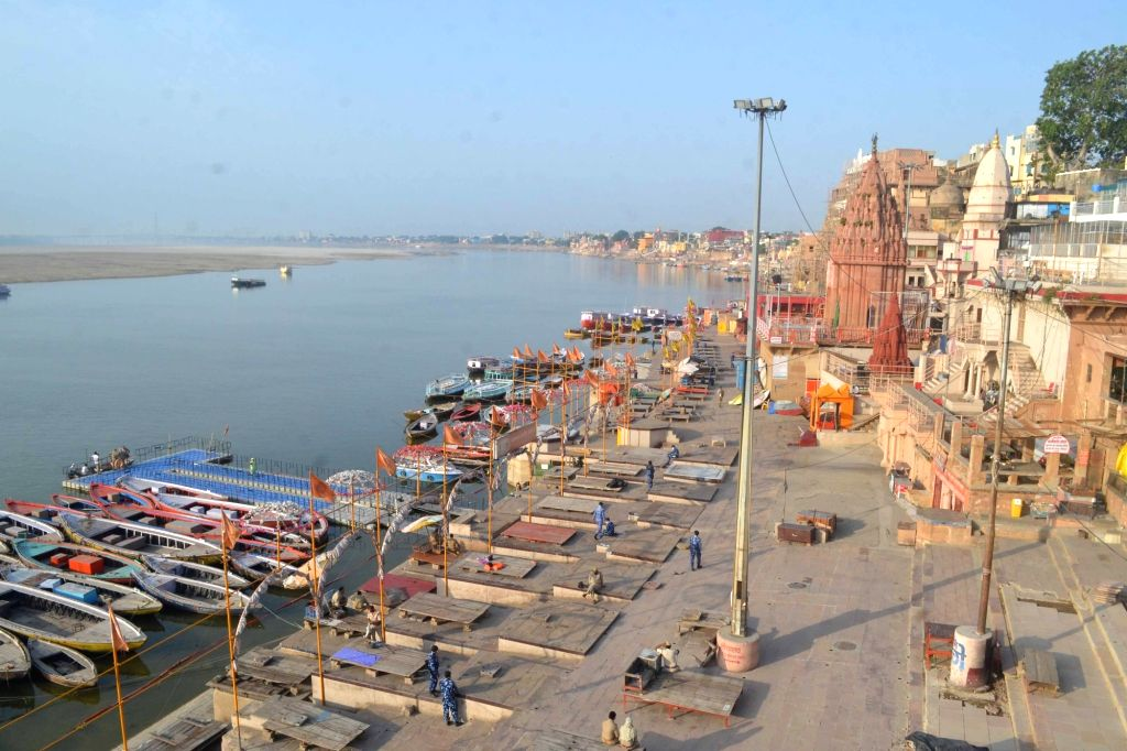 In a major reprieve to thousands of boatmen here, the Varanasi Municipal Corporation (VMC) has started afresh the process of registration of boats in all categories. (Photo: IANS)