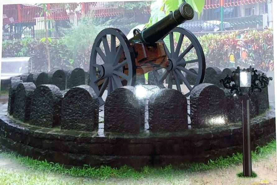 In an unique initiative, the B.M.C. said that Two huge British-eea canons, dating to 1864, lying at the Lions Children's Park, Ghatkopar, shall be refurbished and re-installed on a magnificent platform.