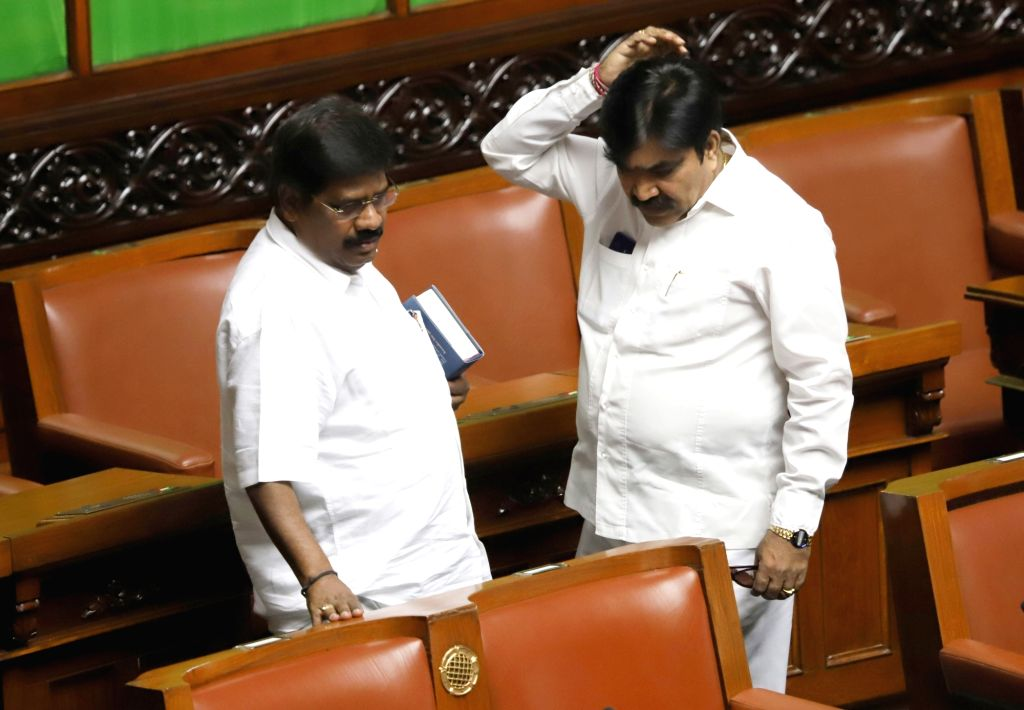 Independent MLAs H Nagesh and Shankar during budget session at Karnataka Assembly in Bengaluru, on Feb 13, 2019.
