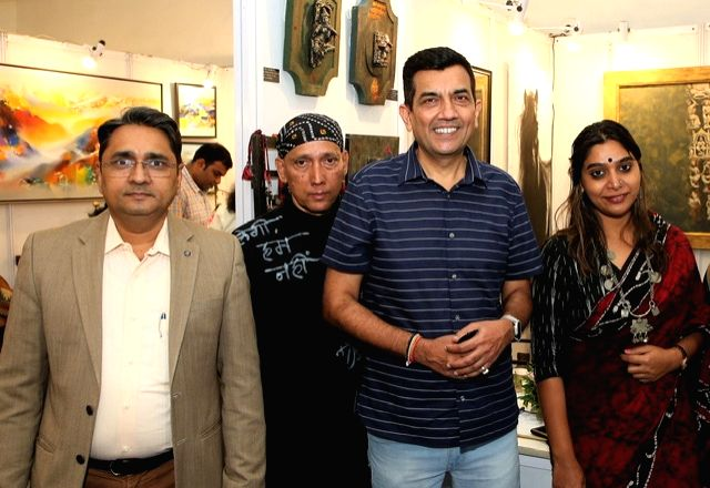 India Art Festival Director Rajendra, actors Gautam Patole, Rupali Patole and chef Sanjeev Kapoor at the India Art Festival 2020. - Gautam Patole, Rupali Patole and Sanjeev Kapoor