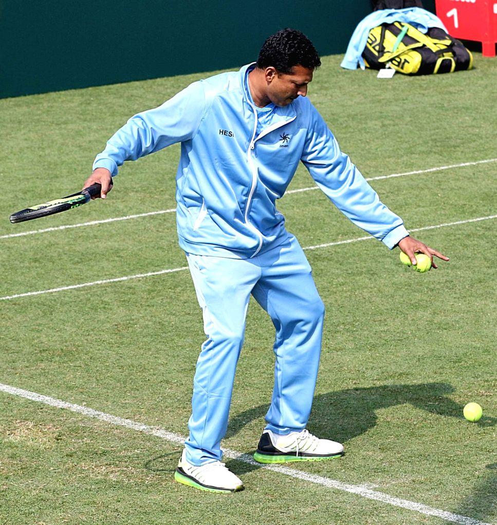 India's Mahesh Bhupathi during a practice session ahead of Davis Cup in Kolkata on Jan 31, 2019. - Mahesh Bhupathi