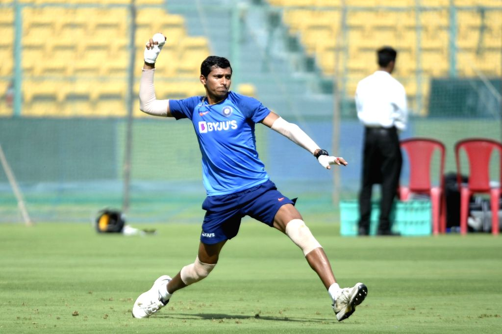 India's Navdeep Saini in action during a practice session ahead of the final T20I match against South Africa, at M. Chinnaswamy Stadium in Bengaluru on Sep 21, 2019.