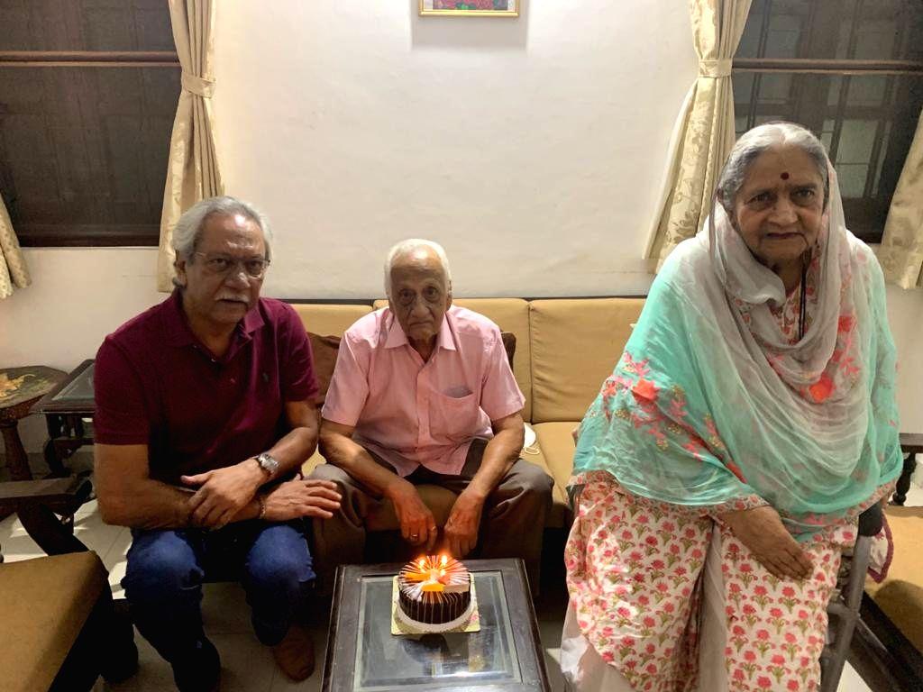 India???s oldest Test cricketer DK Gaekwad turns 92, has sharp memory