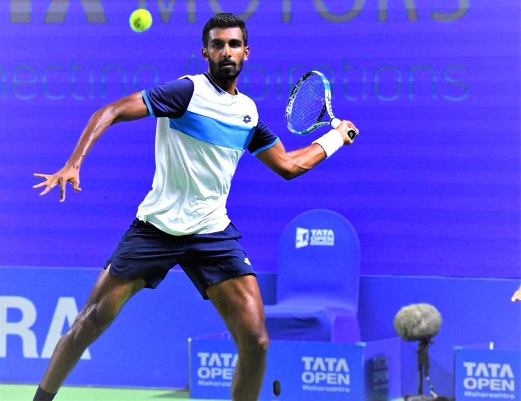 India's Prajnesh Gunneswaran in action against Kwon Soon-woo at the third edition of Tata Open Maharashtra at Mhalunge Balewadi Stadium in Pune on Feb. 6, 2019.
