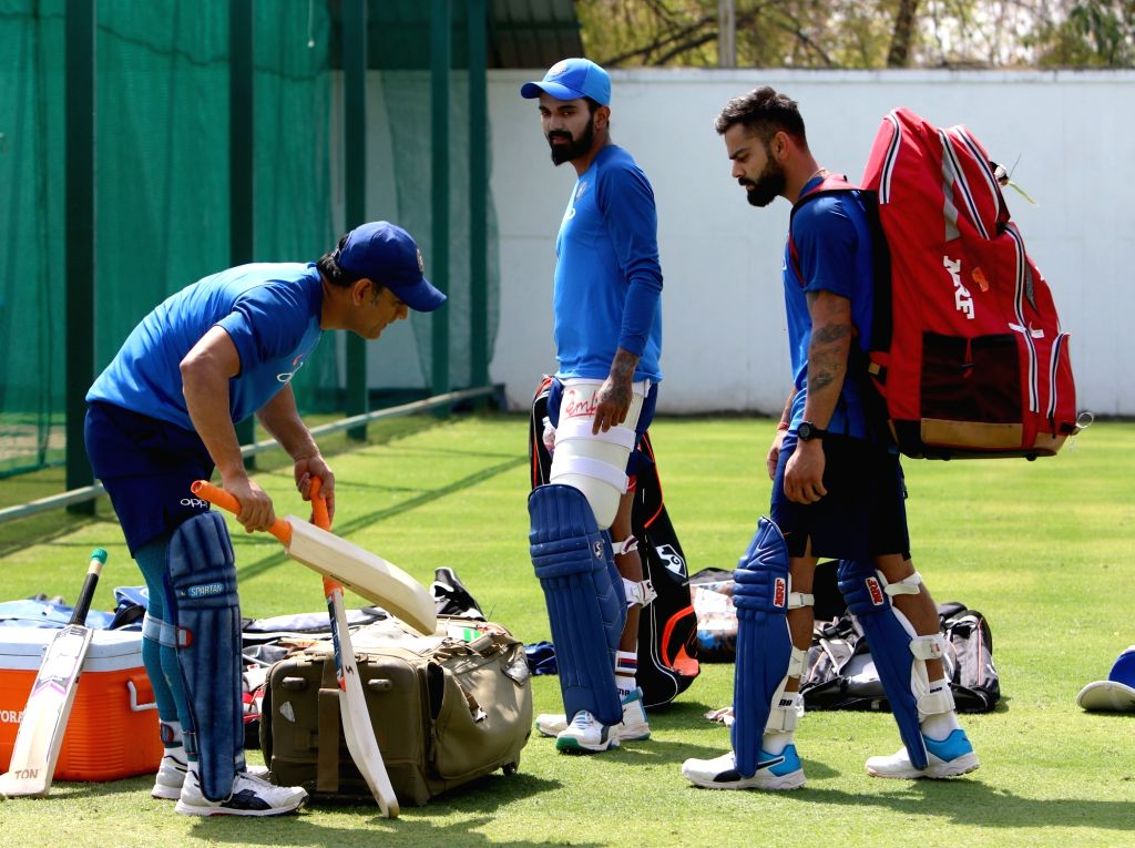 India's Virat Kohli and MS Dhoni during a practice session ahead of the second ODI match against Australia, at Vidarbha Cricket Association (VCA) Stadium, in Nagpur, on March 4, 2019. - MS Dhoni and Virat Kohli