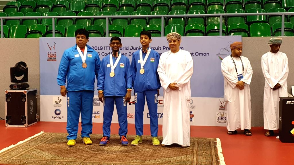 India???s young paddlers continued their medal rush on the world stage, grabbing as many as 7 medals, including a gold and a silver, in the Oman Junior and Cadet Open in Muscat late on Friday night. ...