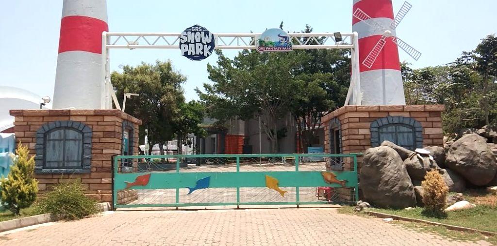 Indian amusement industry feels doomed in lockdown.