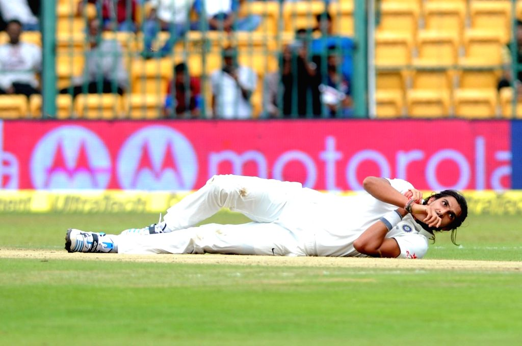 Indian bowler Ishant Sharma during the first day of the second test match between India and South Africa at M Chinnaswamy Stadium in Bengaluru, on Nov 14, 2015. - Ishant Sharma