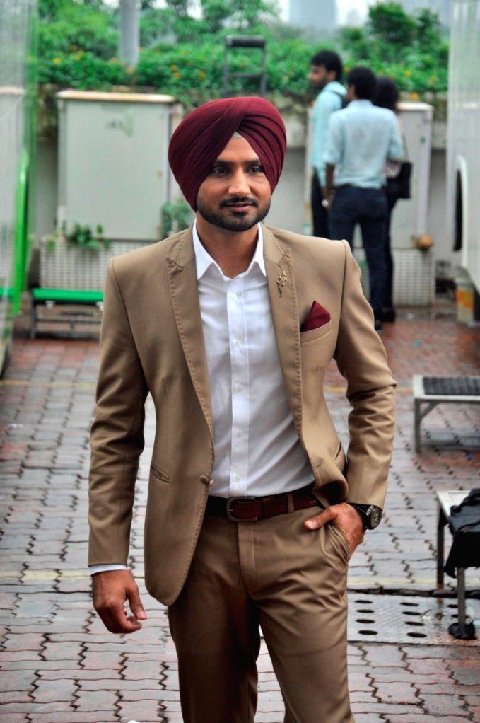 Indian Cricketer Harbhajan Singh during the promo shoot of Life Ok new show Mazak Mazak Me in Mumbai on July 11, 2016. - Cricketer Harbhajan Singh