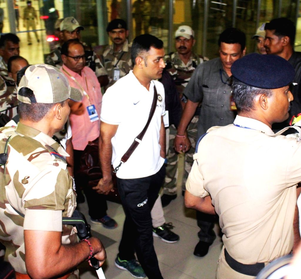 Indian Cricketer MS Dhoni arrives at Dr. Babasaheb Ambedkar International Airport in Nagpur on Sept 29, 2017. - MS Dhoni