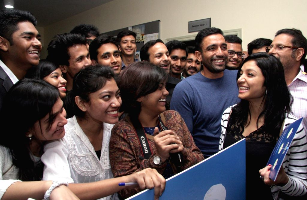 Indian cricketer Robin Uthappa with fiancee Sheetal Gautam during the announcement of `My Country Run 2016` in Bengaluru, on Jan 19, 2016.