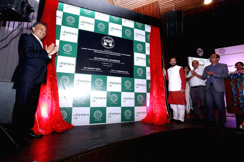 Indian Institute of Technology (IIT), Delhi Director V. Ramgopal Rao, ReNew Power Chairman and CEO Sumant Sinha and Union Human Resource Development Minister Prakash Javadekar during the ... - Prakash Javadekar, V. Ramgopal Rao and Sumant Sinha R