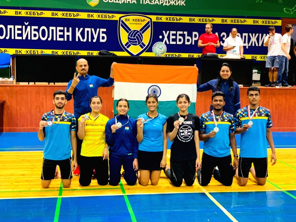 Indian Junior Shuttlers finished their campaign at the bulgarian Junior International Championships with 6 medals including 2 gold. Junior National Coach Sanjay Mishra along with the medalists.