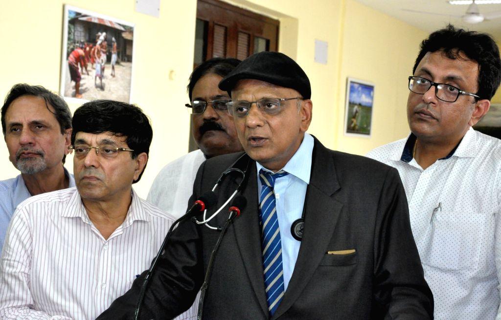 Indian Medical Association (IMA) President K K Agarawal talks to press after meeting West Bengal Chief Minister Mamata Banerjee at Nabanna in Howrah on May 29, 2017. - Mamata Banerjee