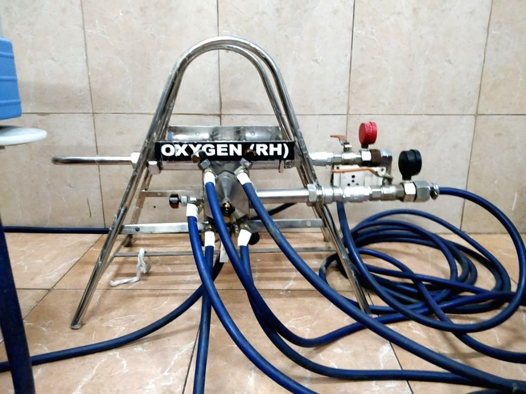 Indian Navy manufactures portable multi-feed oxygen cylinder for COVID-19 patients