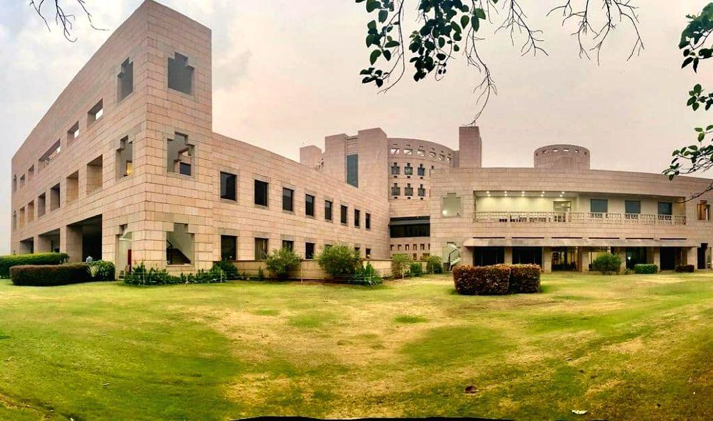 Indian School of Business.(photo:Instagram)