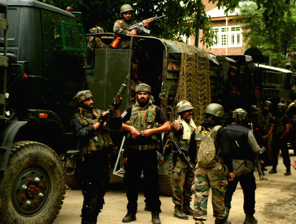 Indian soldiers gearing up for a gunfight. (File Photo: IANS)