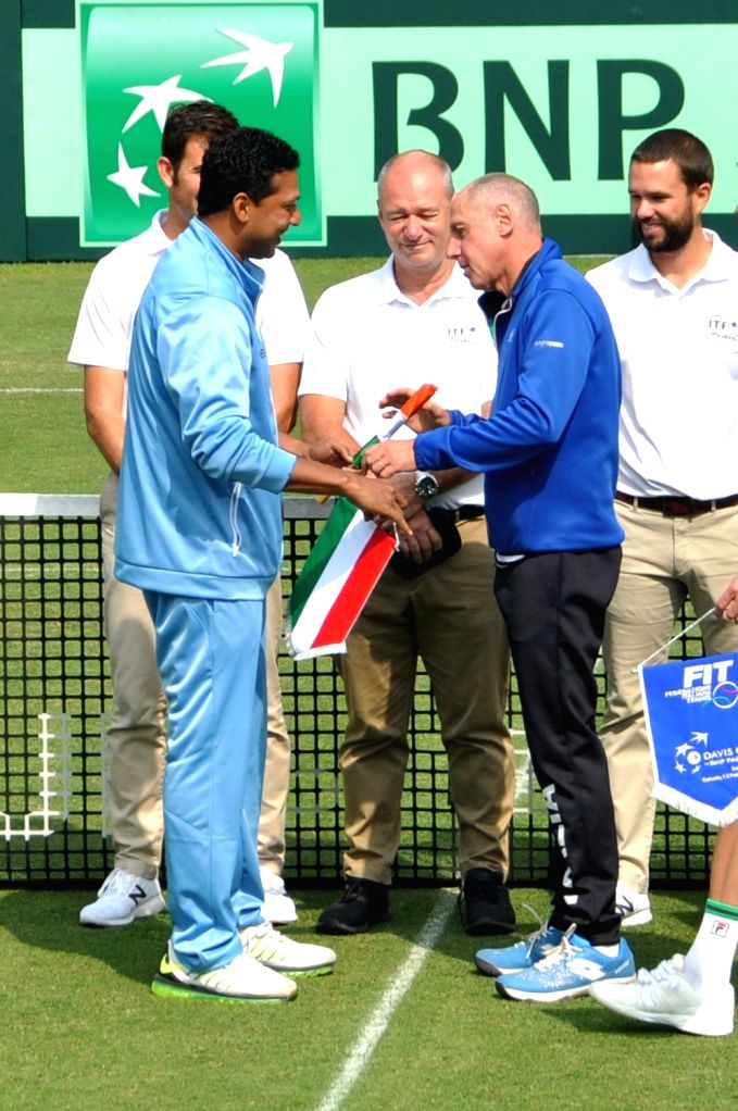 Indian tennis player Mahesh Bhupathi and Italy's Corrado Barazzutti during a Davis Cup World Group rubber in Kolkata, on Feb 1, 2019. - Mahesh Bhupathi