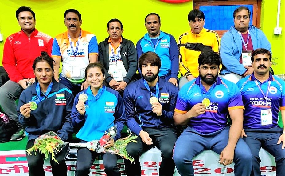 Indian wrestlers Satyawart Kadian, Sumit Malik, Gurshanpreet Kaur and Sarita Mor also finished at the top of the podium as India bagged four gold medals on second day at the 13th South ... - Malik and Gurshanpreet Kaur