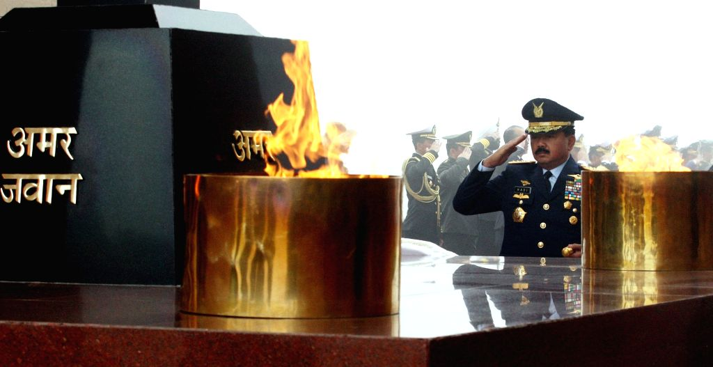 Indonesian National Defence Forces, Commander-in-Chief Air Chief Marshal Hadi Tjahjanto pays homage to the martyrs at Amar Jawan Jyoti, India Gate in New Delhi, on Feb 4, 2019.