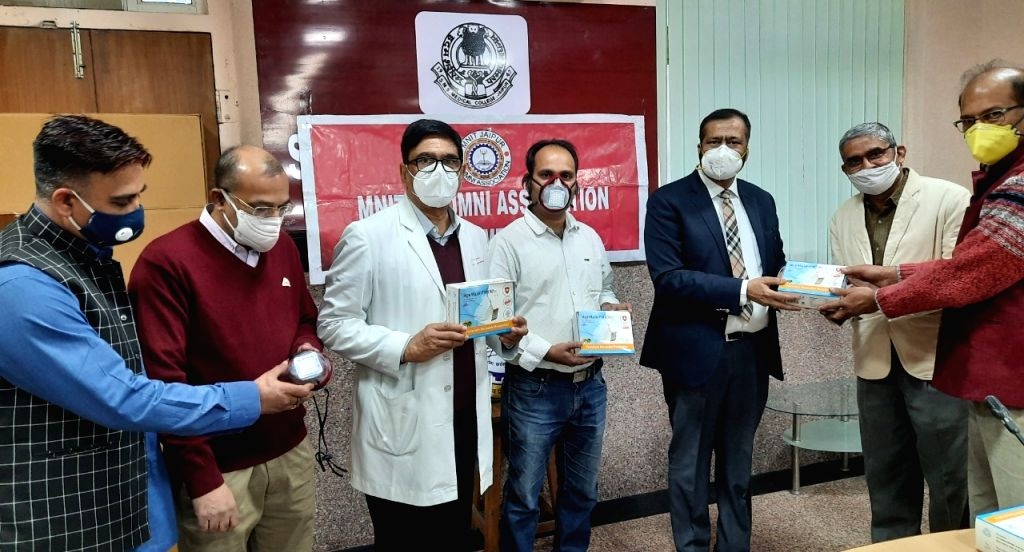 Innovators come up with 3D masks, touch-free devices in Ra.