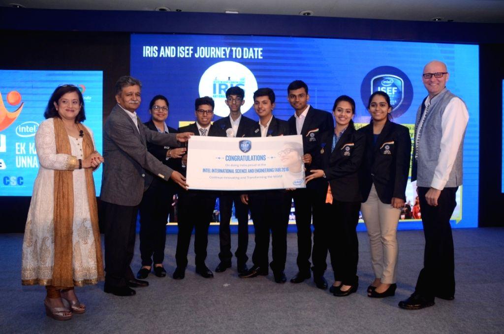 Intel South Asia Managing Director Debjani Ghosh, Department of Science & Technology, National Science & Technology Entrepreneurship Development Board Adviser HK Mittal and Intel ... - Debjani Ghosh