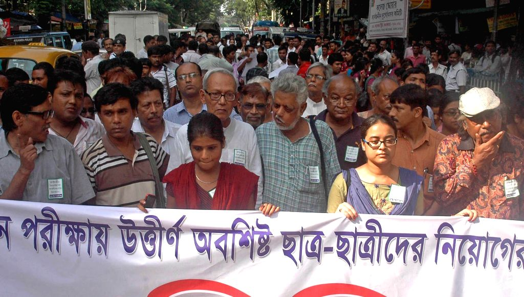 Intellectuals participate in a protest rally in support of SSC aspirants in Kolkata on Aug 8, 2014.