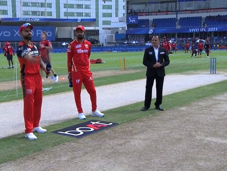 IPL 2021 RCB win toss, elect to bat first against Punjab. (Credit: Twitter/ IPL)