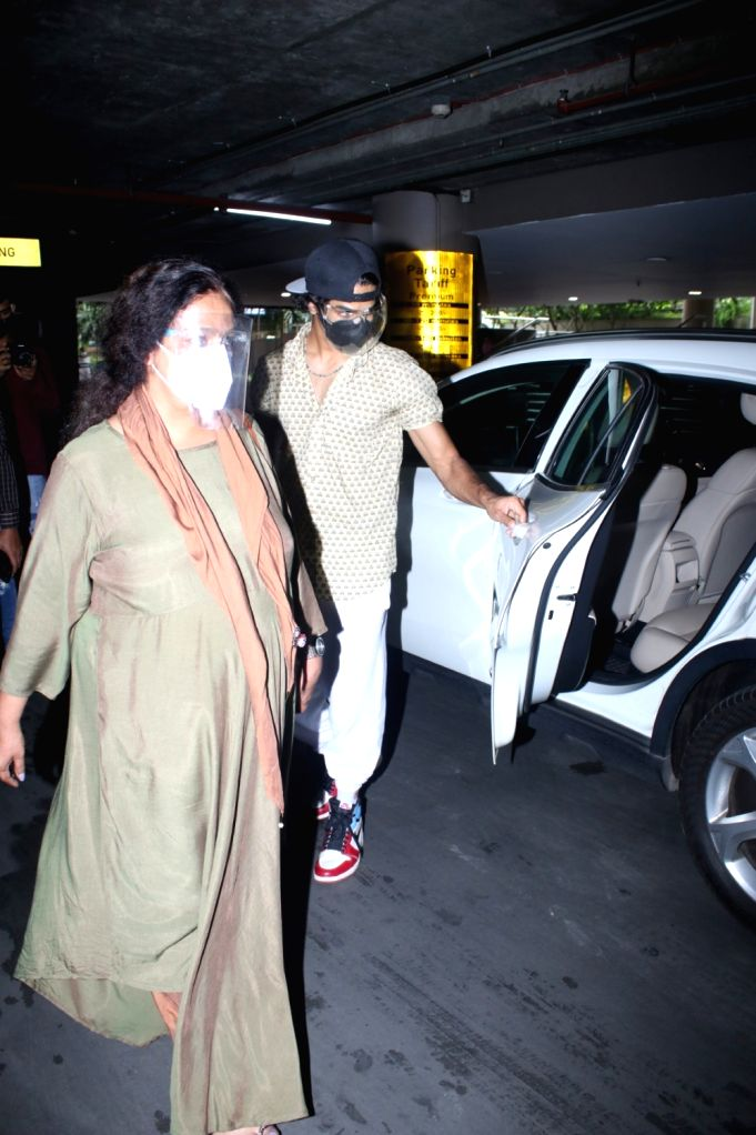 Ishaan Khattar With Mom Spotted at Airport Arrival on Friday June 18,2021.