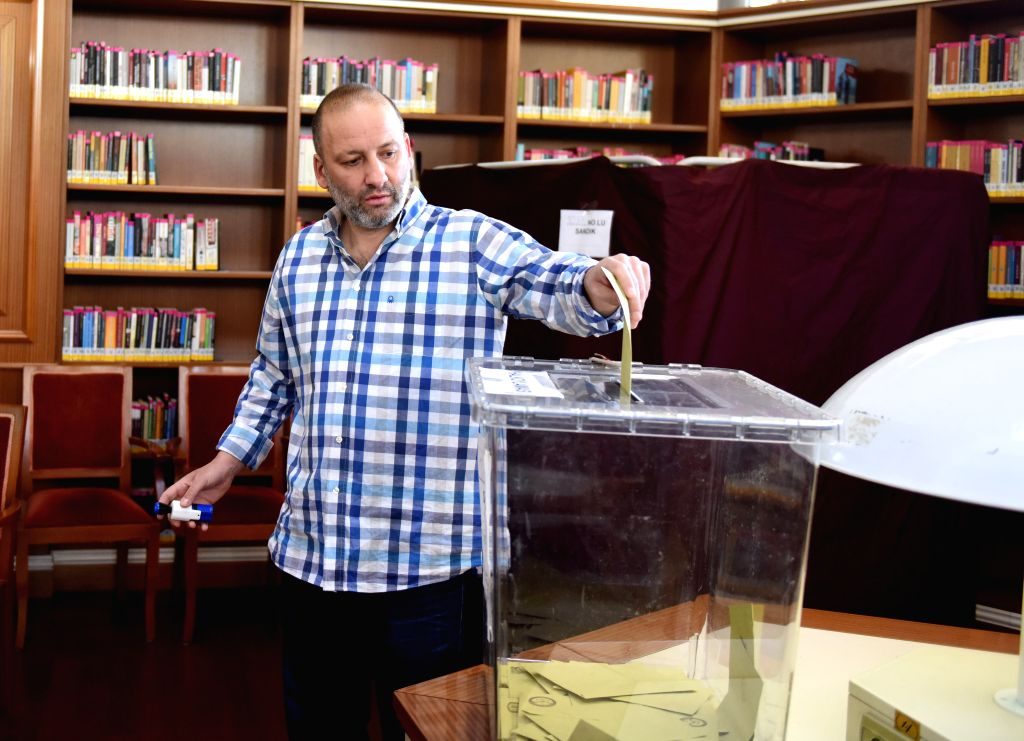 ISTANBUL, April 16, 2017 - A man casts his ballot at a polling station in Istanbul, Turkey, on April 16, 2017. More than 167,000 polling stations across Turkey opened at 7 a.m. local time (0400 GMT) ...