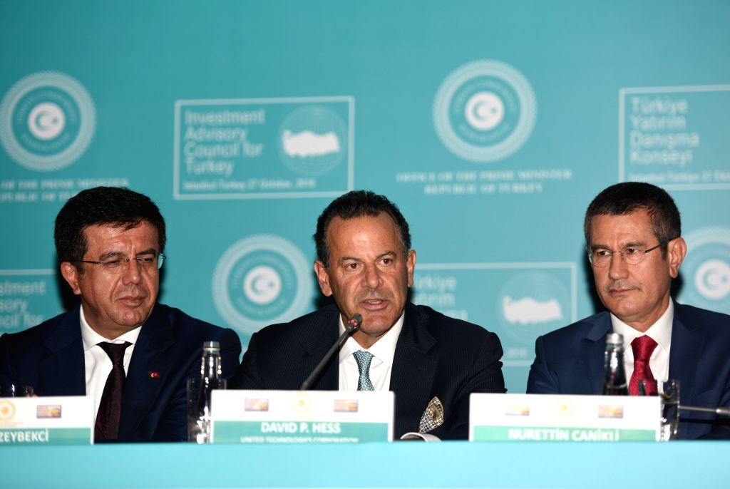 ISTANBUL, Oct. 27, 2016 - David Hess (C), deputy chairman of the United Technologies Corporation, speaks at a conference on investment in Istanbul, Turkey, on Oct. 27, 2016. Turkish Prime Minister ... - Binali Yildirim