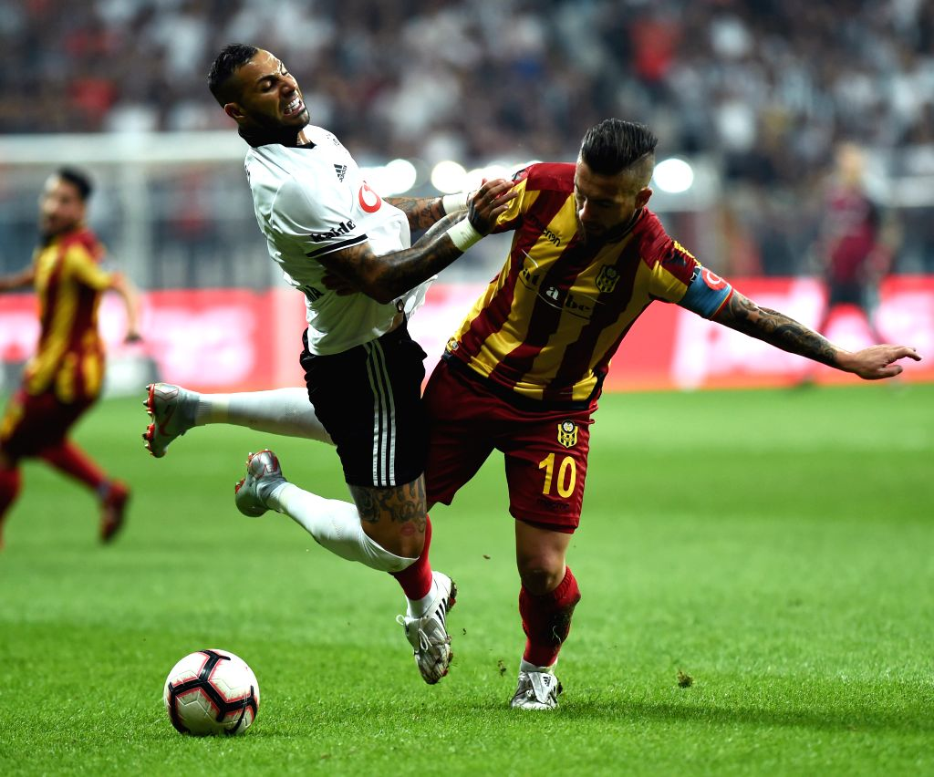ISTANBUL, Sept. 16, 2018 - Ricardo Quaresma (L) of Besiktas vies with Adem Buyuk of EY Malatyaspor during 2018-2019 Turkish Super League match between Besiktas and EY Malatyaspor in Istanbul, Turkey, ...