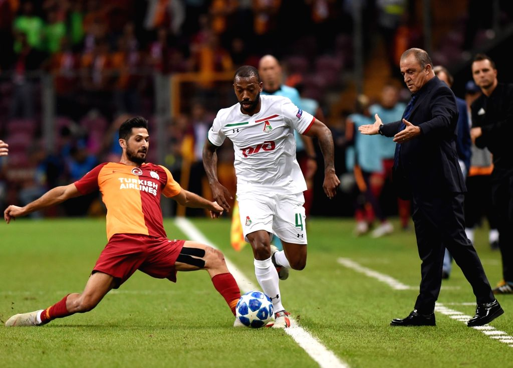 ISTANBUL, Sept. 19, 2018 - Manuel Fernandes (C) of Lokomotiv Moscow competes during the 2018-2019 UEFA Champions League Group D match between Turkey's Galatasaray and Russia's Lokomotiv Moscow in ... - Manuel Fernandes