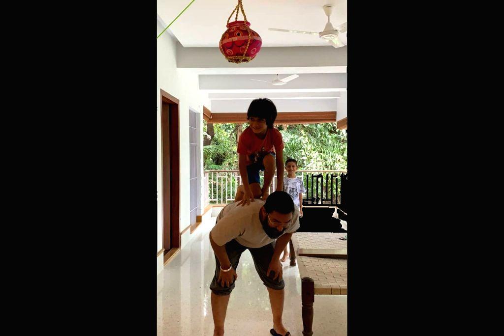 It's 'chocolate handi' for Aamir Khan, son on Janmashtami - Aamir Khan